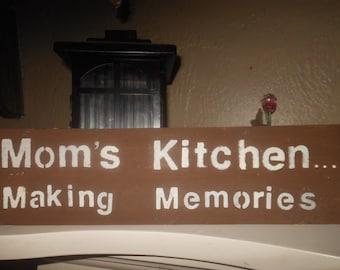Mom's Kitchen   Making Memories