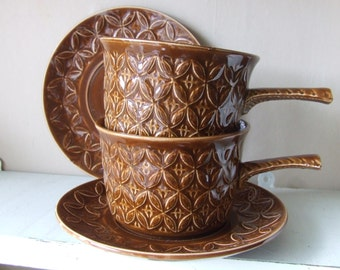 SALE A pair of brown retro soup bowls or cups and saucers Tams England