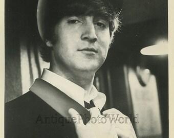 Young John Lennon Beatles vintage rock star photo