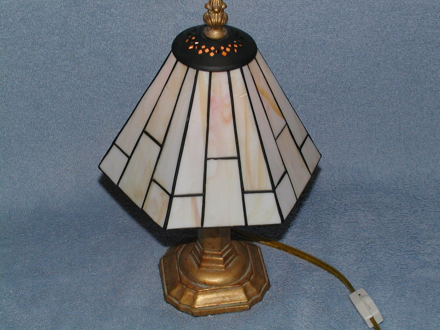 Wright Brothers Stained Glass Lamp : Stained glass lamp frank lloyd wright geometric theme