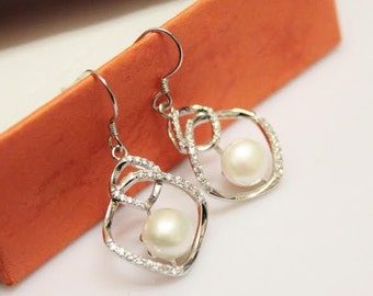 Vintage sterling silver fresh water pearl dangle  earrings