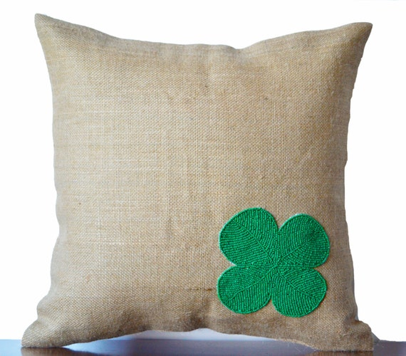 Burlap pillow cover with green clover made with beads- Decorative cushion cover- St Patrick Day gift - Easter decor- Throw pillow 16X16