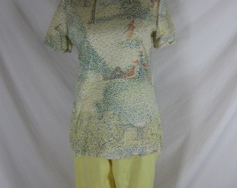 1970s Designer Seventh I By Aileen Novelty Scenic People Womens Shirt Top