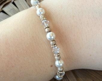 Vintage Sterling Silver Pearl and Crystal Bracelet (st - 1309)