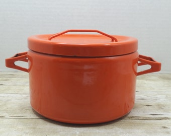 Seppo Mallat, Arabia Finel Orange Red Enamel pot, 1960s vintage pot enamel, mid century enamel pot