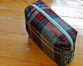 Rectangle Cosmetic Pouch-- Plaid