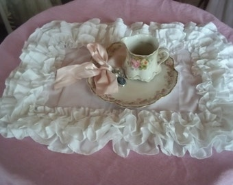 set of 6 ruffled placemats