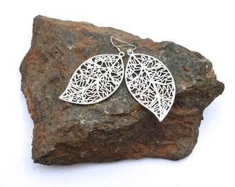 silver leaf earrings / gift for her / leaves earrings / leaf bridesmaid earrings / gift for woman / christian gift / christmas gift