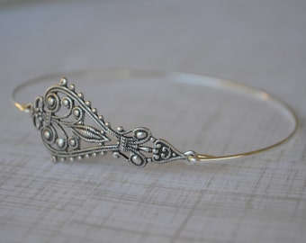 Silver Flower Bangle-Filligree Bangle - Bridesmaids Gifts- Minimalist Jewelry- # 711 -