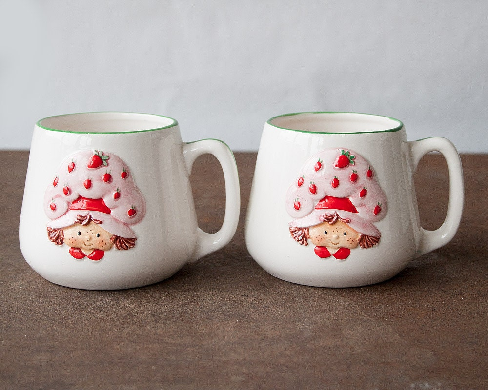 vintage pair of strawberry shortcake cups by sadrosetta on