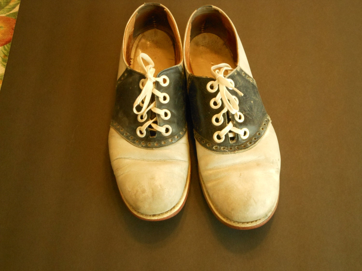 1950s black and white saddle shoes s 9 by groovygoods4u