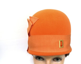 Vintage Womens Orange Cloche Hat by Ann Marie / 1950's Antelope Felt Hat