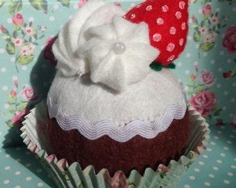 Felt play food - Felt cupcake