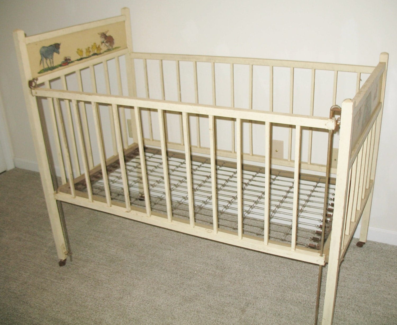 Vintage Baby Crib 108