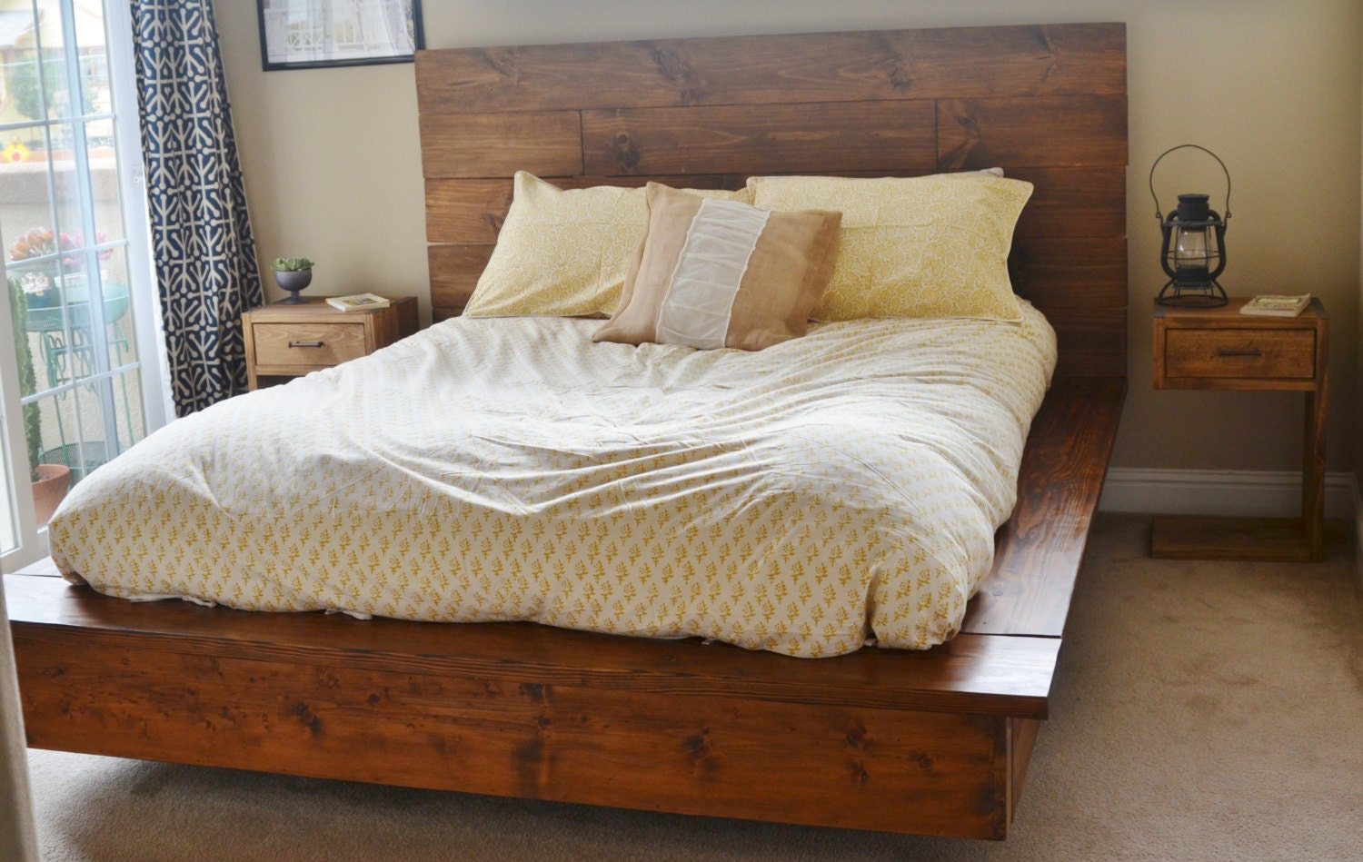 Platform storage bed frame and headboard la plata for Camas rusticas