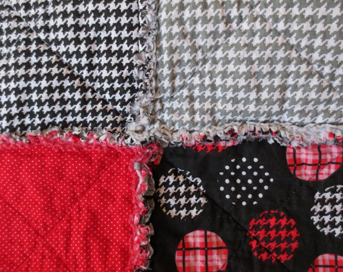 Modern Reversible Rag Quilt - Hounds-tooth - Red Black and Grey - Designer fabrics - Ready to Ship