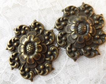 """Vintage gold plate brass convex stamped floral design , 1&1/2"""", 2pcs-KC51"""