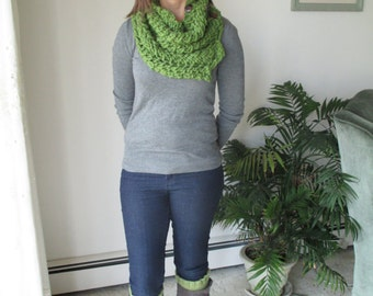 Green Chunky Cowl Scarf and Green Boot Topper Set