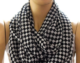 plaid printed black white infinity scarf, Loop scarf, Circle scarf, Women Scarf, Gift, Scarves, fashion accessory, trendy items, women, gift