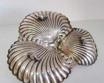 Antique Hors d'Oeuvres Canape Dish Silver Plated Triple Scallop Dish 1900s by Goldsmiths & Silversmiths Company, London