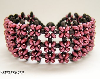 English pattern for the Neat Rows Bracelet