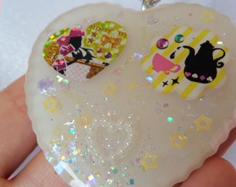 Resin Tea Party Necklace: RESIN ADVENTURES White Alice in Wonderland Resin Necklace