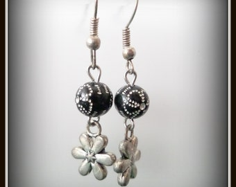 black earrings - black flower earrings