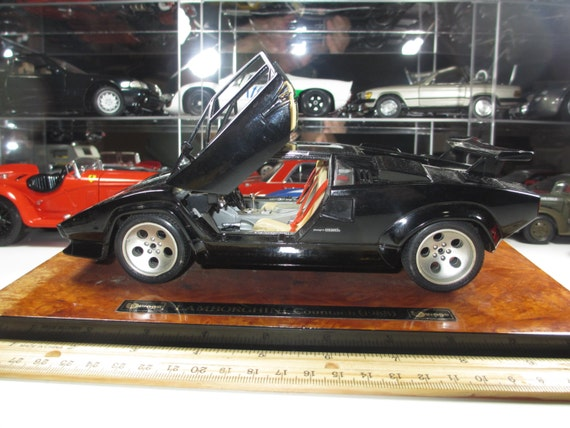 1988 lamborghini countach 1 18 scale diecast by chasingtoycars. Black Bedroom Furniture Sets. Home Design Ideas