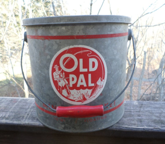 vintage Old Pal minnow bucket large floating by ThisOldStuffToo
