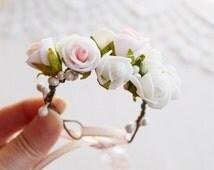 Woodland Corsage, Rose Wrist Corsage, Bridal Cuff Bracelet, Prom Flower Corsage, Flower Girl Corsage, Bridesmaid Corsage, Flower Corsage