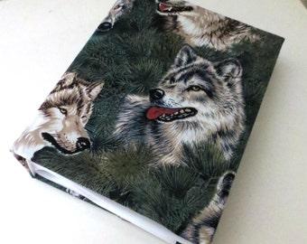 Wolf photo album - 100 4x6 photos.
