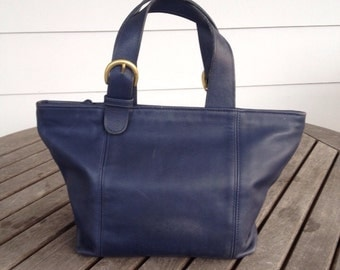 Vintage Waverly Coach handbag in navy
