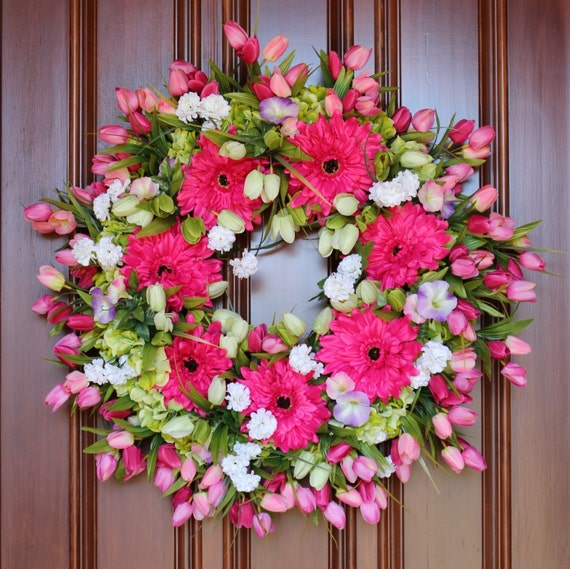 25 discount coupon code blooming xxl tulip wreath. Black Bedroom Furniture Sets. Home Design Ideas