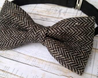 Men's tweed bow tie. Brown herringbone wool black bow tie grooms groomsmen informal party gift for him