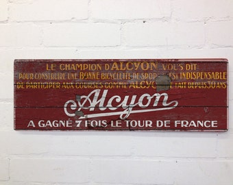 Vintage Cycling Themed Tour De France Wall Door Sign