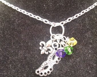 Mardi Gras Mask Necklace ~ Mardi Gras - Purple, Green and Gold - Mardi Gras Mask - Louisiana - New Orleans