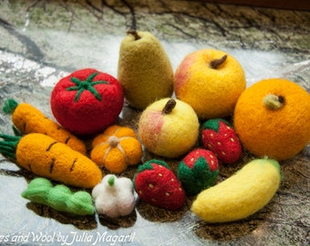 Play food fruit and vegetable set. Pretend food. Play kitchen.  Needle felted educational toy. Handmade gift. Waldorf. 100% wool. 10 pcs.