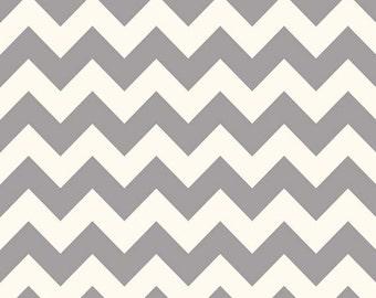 One Yard Le Creme Chevron - Medium Chevron on Cream in Gray - Cotton Quilt Fabric - C640-40 - Riley Blake Designs (W2460)