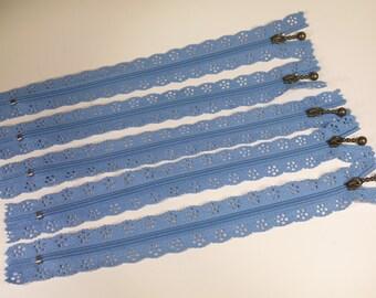 3pc zipper 20cm / 8inch light blue lace closed end (Z26)