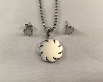 Sun Necklace with free earrings and free engraving