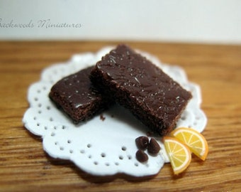 Handmade Miniature Dark Chocolate Brownies, Miniature Desserts, Miniature Sweets, Bakery Miniatures, Dollhouse Food, Miniature Pastries