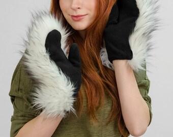 "Faux fur mittens ""Polar wolf"""