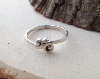 Silver Echo Ring- Sterling Silver Fanciful Ring- Handmade Delicate Silver Ring