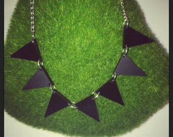 Small Black Matte & Gloss Acrylic Bunting Necklace