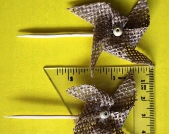 Table Decor Burlap/ Wedding/ party/ Rustic/ Mini Pinwheel 30