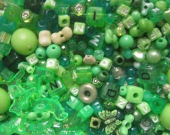 BEAD MIX DESTASH green plastic beads 450 pieces