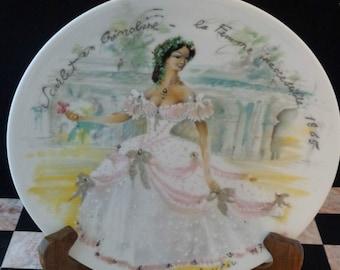 Porcelain Porcelaine Limoges Fashion Plate Fr. Ganeau, Scarlet en Crinoline Les Femmes Du Siegle - 1865