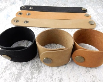 """Black Natural or Medium Tan Leather Cuff 1.5"""" Wide, Genuine Leather Wristband, 1 1/2"""" Wide, Cuff Blank, Hand Stamping Supplies"""
