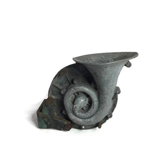 Antique Auto Horn : Sparton antique automobile car horn