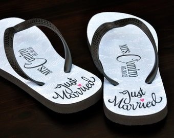 Custom Wedding Flip Flops, Personalized Name Sandals, Wedding, Bride and Groom, Just Married, Bride, Personalized Flip Flops, Custom, 139FF